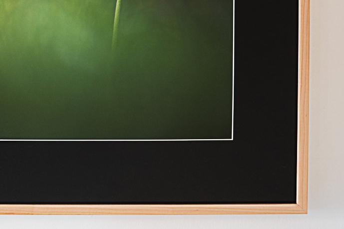 Cadre avec photo derrière passe-partout